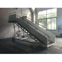 Buy cheap Stable Aircraft Passenger Stairs 4610 kg Rear Axle Carrying Capacity product