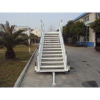 White Aircraft Stairs With Passengers And Cargo HFFKT1023 Long Life Span