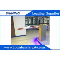 220 V Green Entrance Parking Boom Barrier Gate With Aluminum Alloy Folding Arm