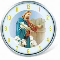 China Fashionable Wall Clock, Powered by 1 x AA Battery, Available in Size of 32.5 x 32.5 x 5cm on sale