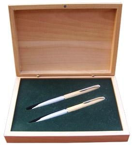 Quality Wooden Gift Sets Gift SetItem No.:S83M-221.83BMSize:19.7*14.7*4cm for sale