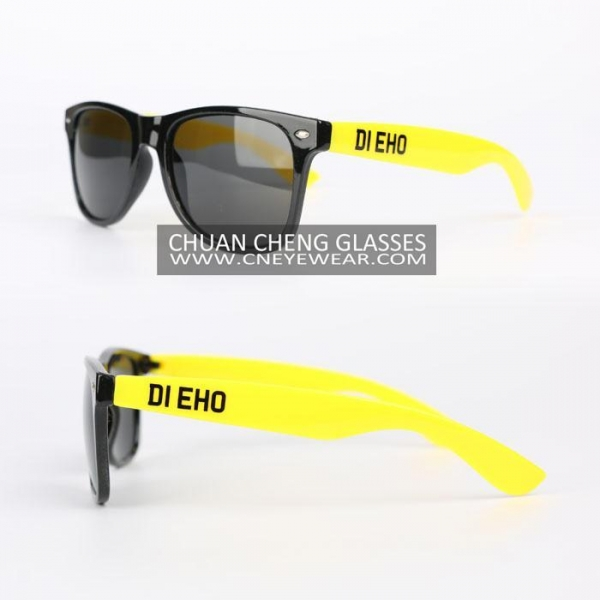 cheap wayfarer sunglasses  cheap logo print sunglasses
