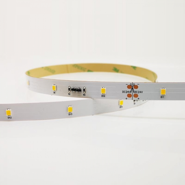 China Samsung 2835 30LED 24V IC Flexible Strip